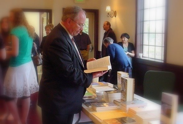New Book Table Ministry at Oakland Hills Community Church (OPC) - Farmington Hills - Michigan